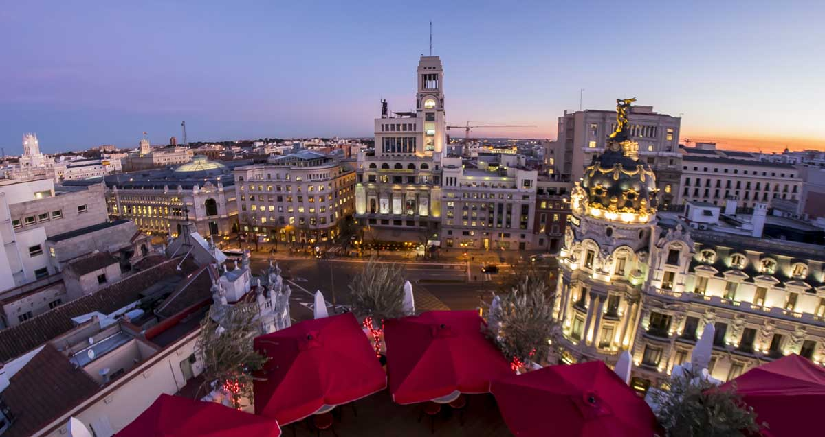 Book online a Hotel in Barajas and enjoy Madrid