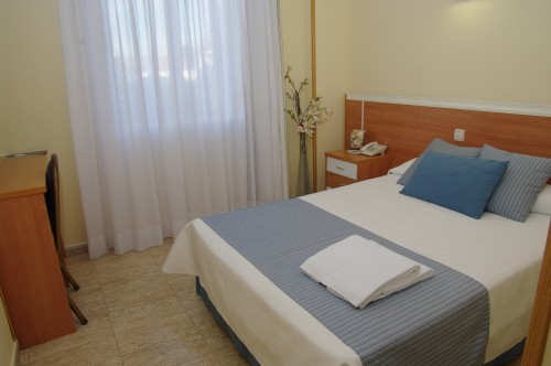 habitación individual precio especial hotel barajas
